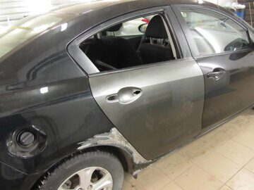 замена двери автомобиля